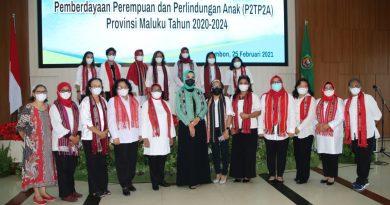 Gubernur Lantik Pengurus P2TP2A Provinsi Maluku